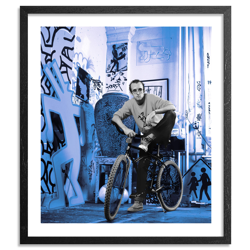 Janette Beckman Art Print - Keith Haring, New York 1985 - Blue Edition